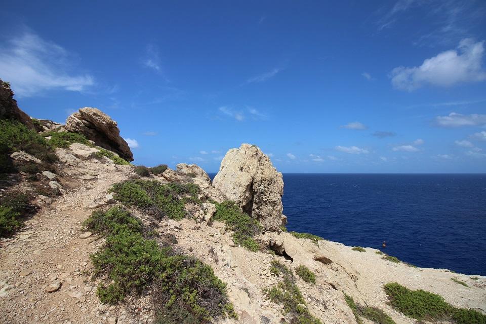 Lampedusa: viaggio tra mare, spiagge e natura - On the road